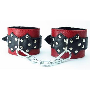 BDSM Арсенал кожаные наручники с натуральным мехом и пряжкой, красно-черные На регулируемых ремешках bdsm арсенал профессиональный стек черный с теснённой ручкой