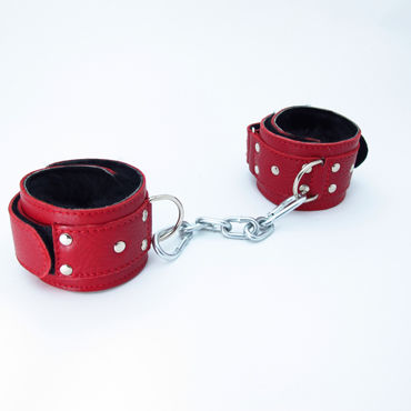 BDSM Арсенал кожаные наручники с натуральным мехом, красные Фиксируются при помощи липучек bdsm арсенал профессиональный стек черный с теснённой ручкой