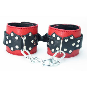 BDSM Арсенал кожаные наручники с пряжкой, красно-черные На регулируемых ремешках bdsm арсенал двухстороння маска коричневая с металлическими заклепками