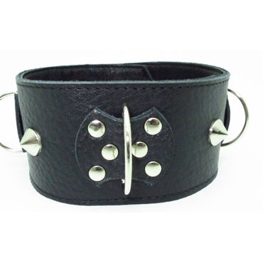 BDSM Арсенал ошейник широкий с поперечным кольцом, черный Декорирован шипами bdsm арсенал поводок с кожаной петлей 90 см с карабином