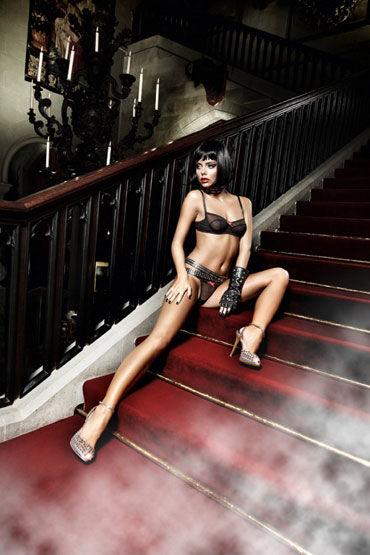 Baci комплект, черный Бюстик и стринги hustler the sparkling queen черный сексапильное платье бандо